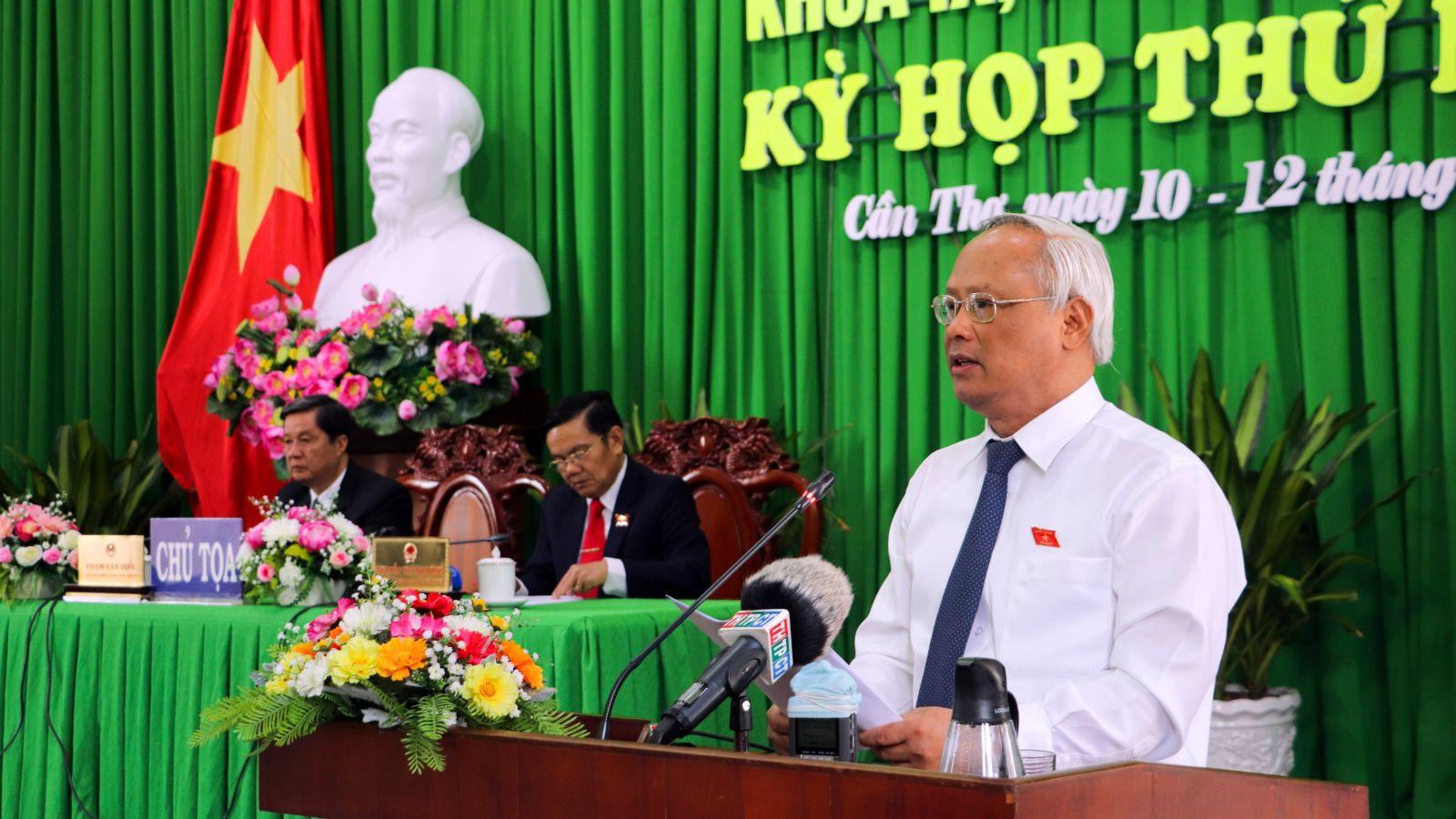 Phó Chủ tịch Quốc hội Uông Chu Lưu phát biểu tại kỳ họp.