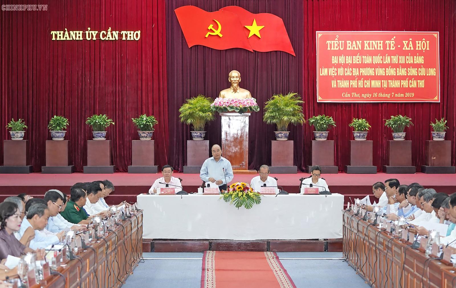 Thủ tướng Nguyễn Xuân Phúc phát biểu tại buổi làm việc. Ảnh: chinhphu.vn