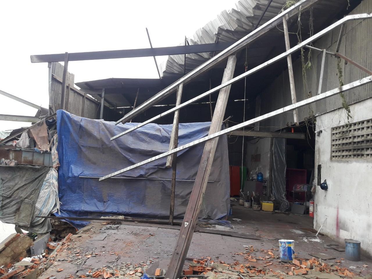 Một phần nhà hộ dân quận Thốt Nốt bị tốc mái vào ngày 4-8-2019.