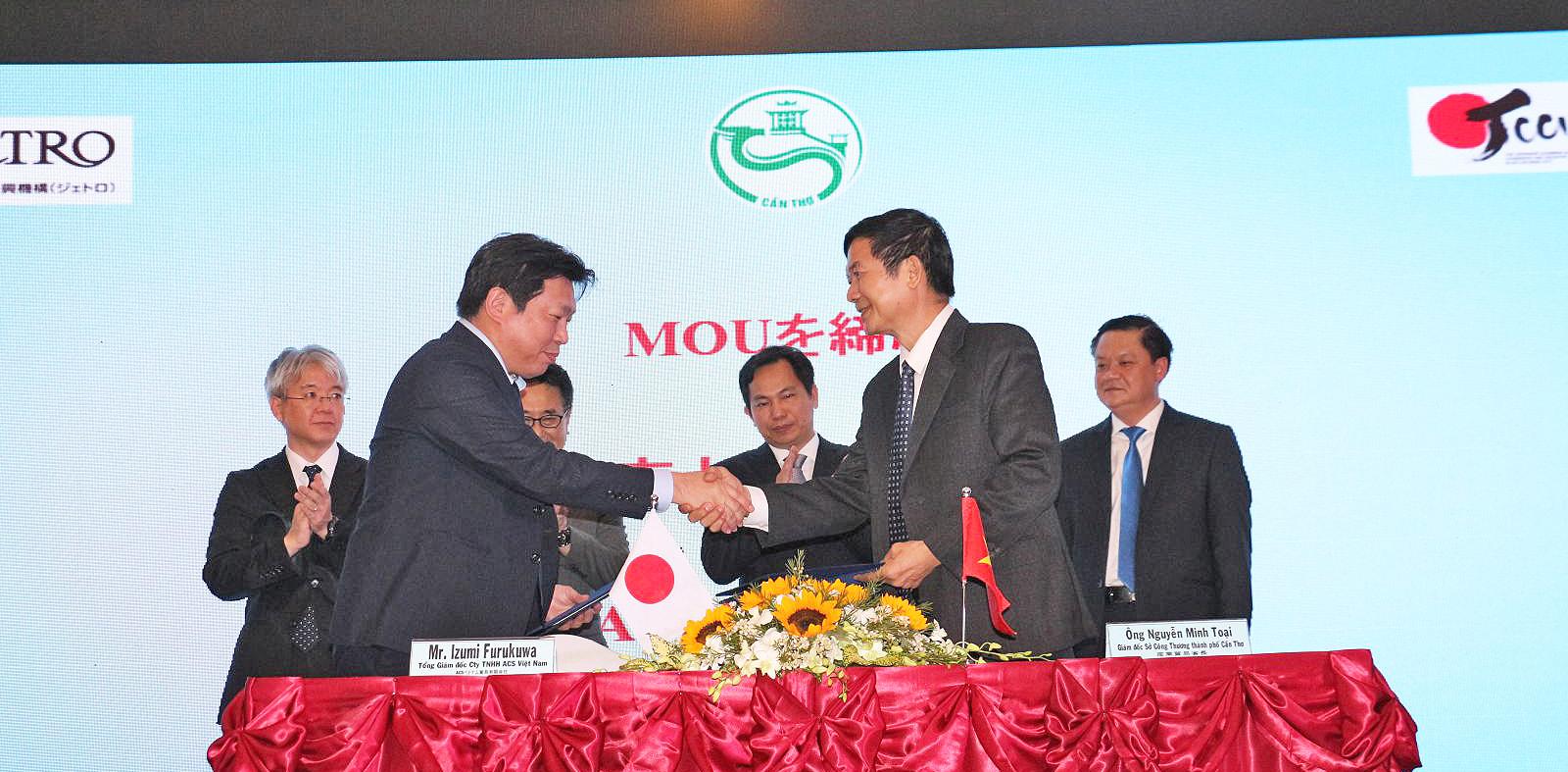 Ký kết MOU giữa Sở Công Thương thành phố và Công ty TNHH TM ACS Việt Nam về hợp tác triển khai chương trình hỗ trợ mua trang thiết bị, máy móc và vật tư nông nghiệp nhằm phát triển sản xuất nông sản chất lượng cao.