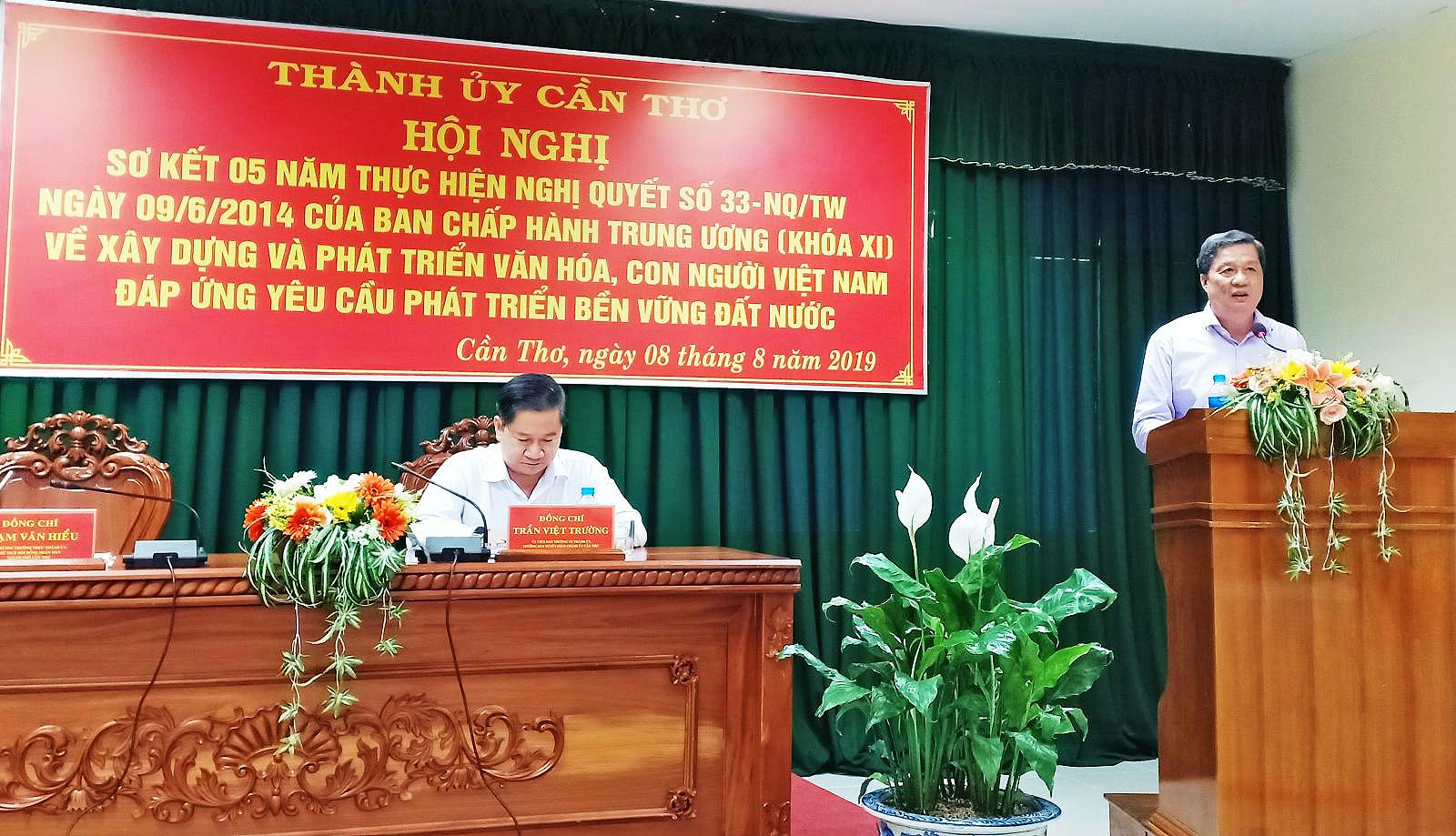 Đồng chí Phạm Văn Hiểu phát biểu chỉ đạo và kết luận Hội nghị.