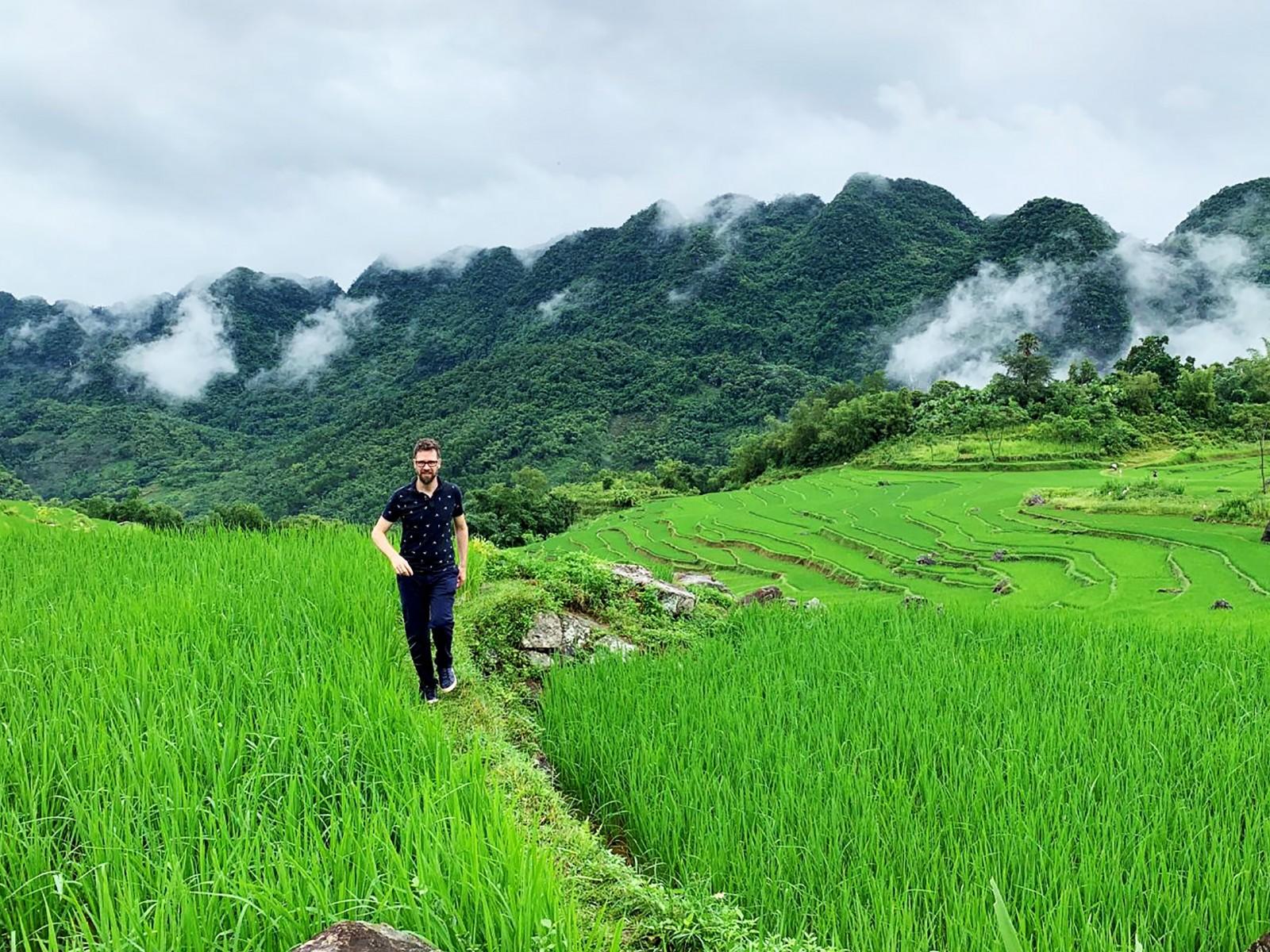 Vẻ đẹp thơ mộng của Pù Luông thu hút nhiều du khách quốc tế.