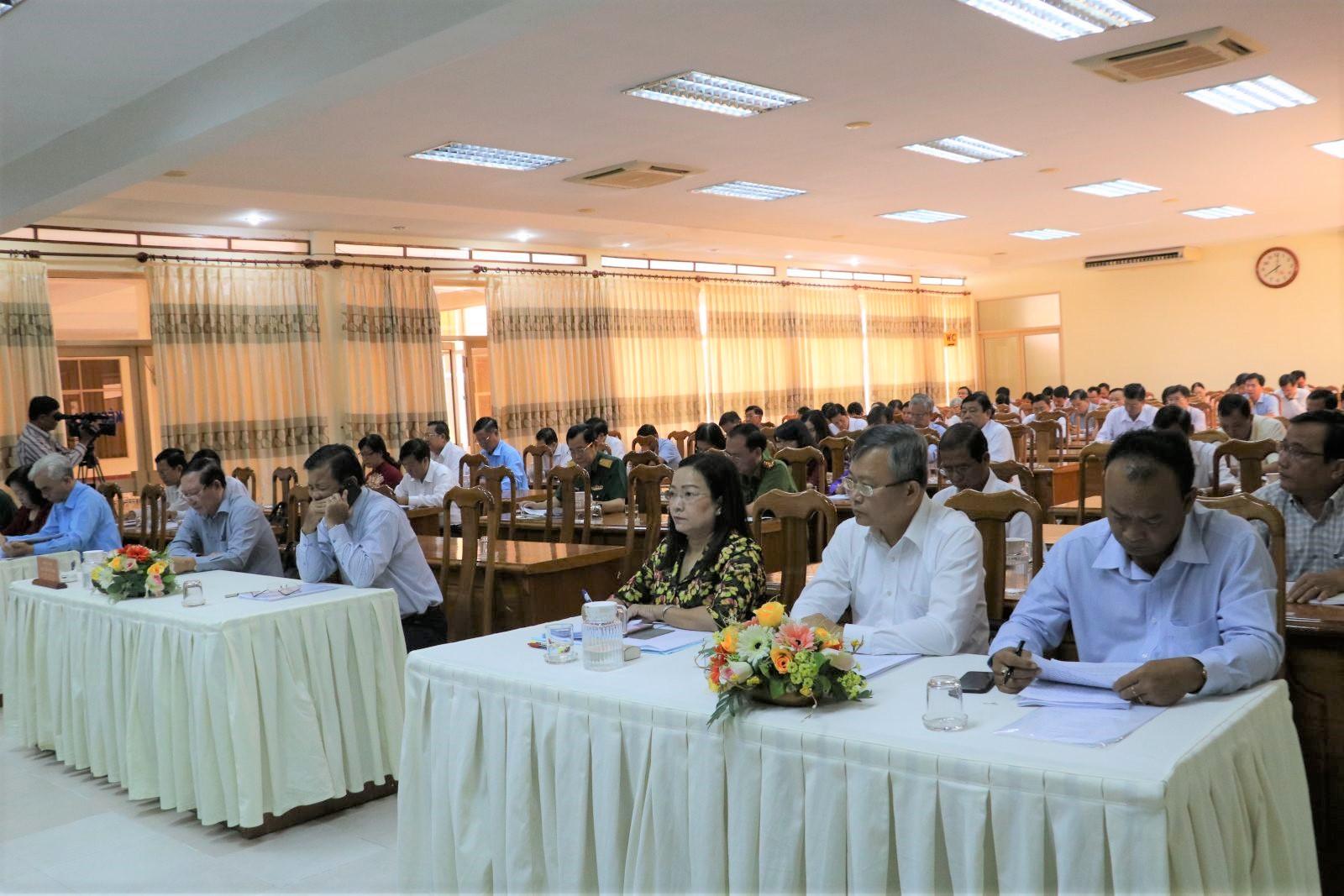 Các đại biểu tham dự Hội nghị tổng kết công tác xây dựng Đảng và thi hành Điều lệ Đảng nhiệm kỳ Đại hội XII của Đảng. Ảnh: Q. THÁI
