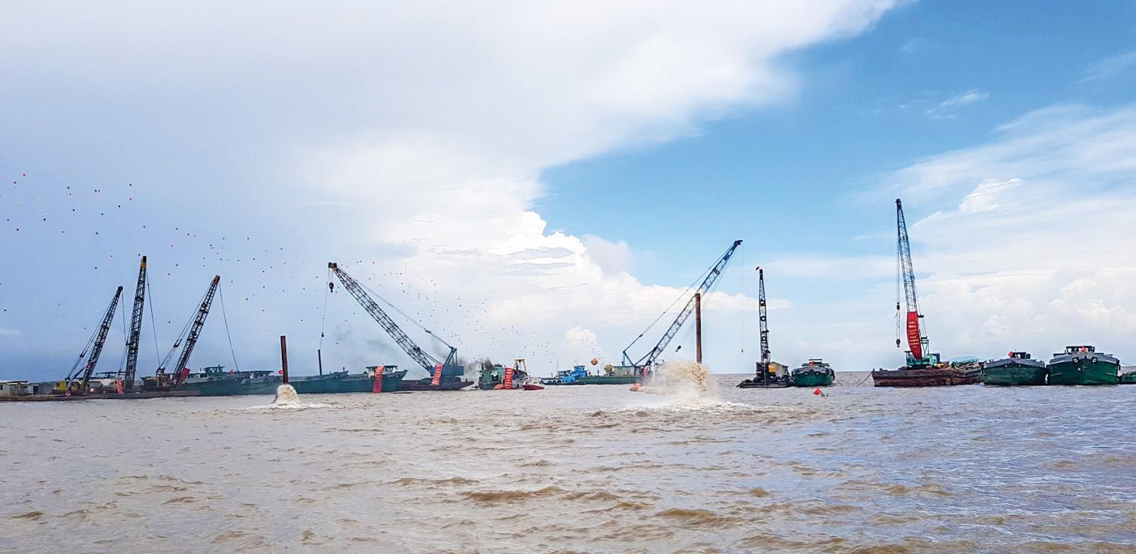 Nghi thức khởi công xây dựng khu đô thị lấn biển Phú Cường Hoàng Gia của Công ty Cổ phần Đầu tư Phú Cường Kiên Giang.