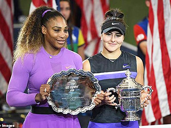 Andreescu (phải) đã có cúp vô địch Grand Slams đầu tiên trong sự nghiệp. Ảnh: Getty Images
