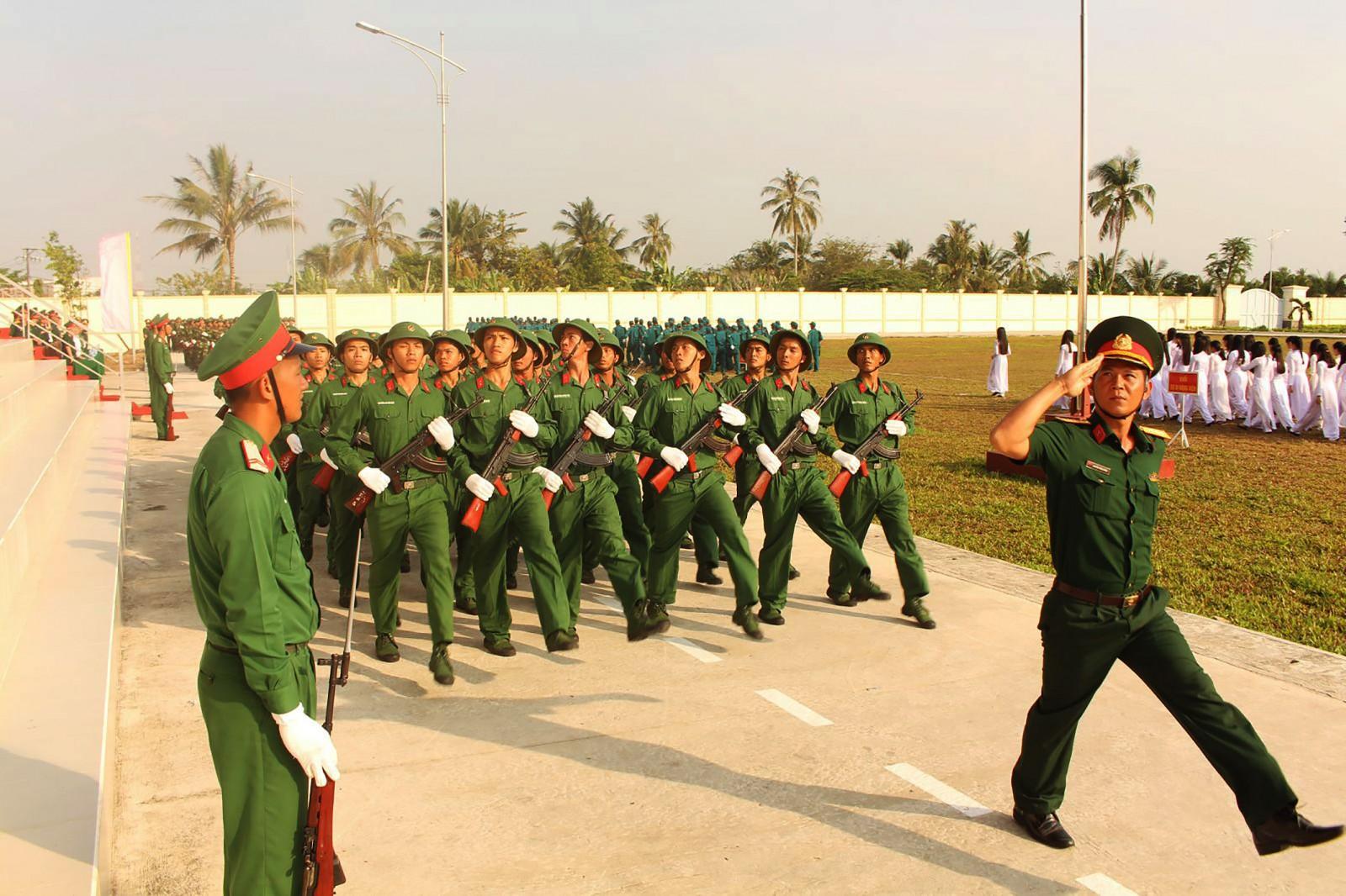 Đảng và Nhà nước luôn quan tâm xây dựng lực lượng vũ trang nhân dân vững mạnh. Ảnh: PHẠM TRUNG