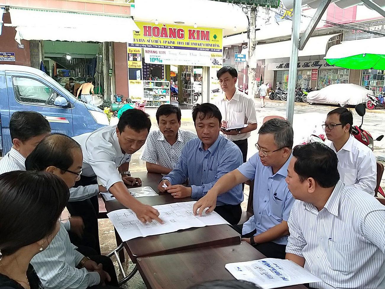 Ban đô thị HĐND khảo sát tại chung cư Cái Khế (quận Ninh Kiều)