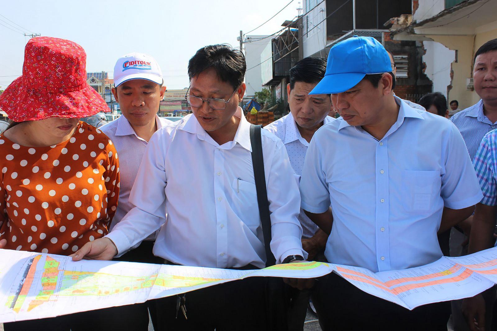 Lãnh đạo UBND thành phố kiểm tra, tháo gỡ khó khăn trong công tác bồi thường, hỗ trợ và tái định cư, phục vụ đẩy nhanh tiến độ công trình đường nối Cách Mạng Tháng Tám đến đường tỉnh 918.