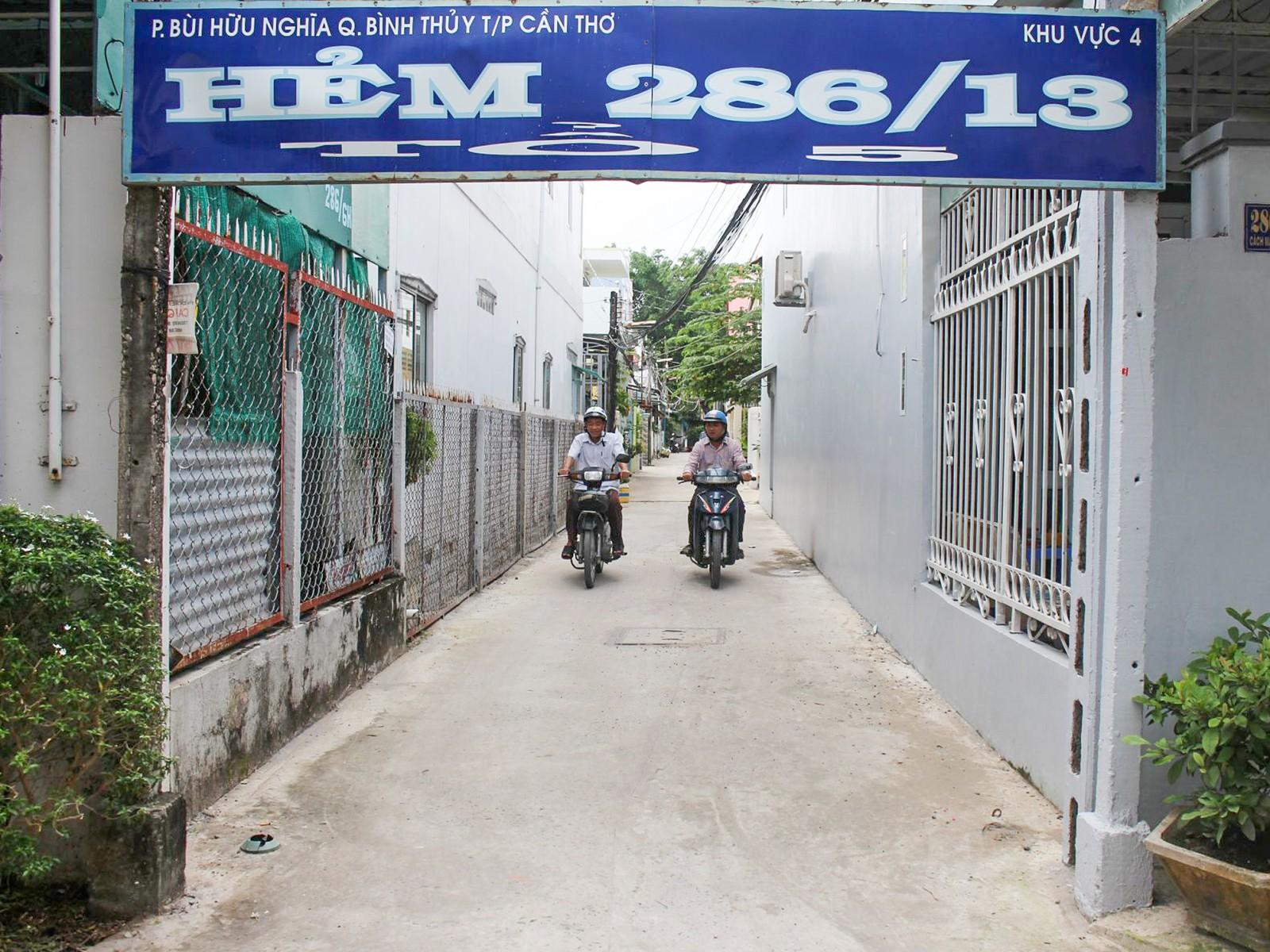 Tuyến hẻm 286/13 khang trang rộng rãi, tạo điều kiện cho người dân đi lại thuận tiện.