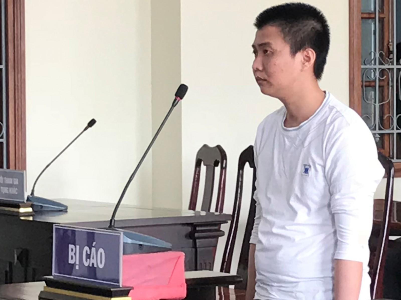 Nhậu say, đâm cô ruột, Nguyễn Hòa Hiếu lãnh án 10 năm tù.