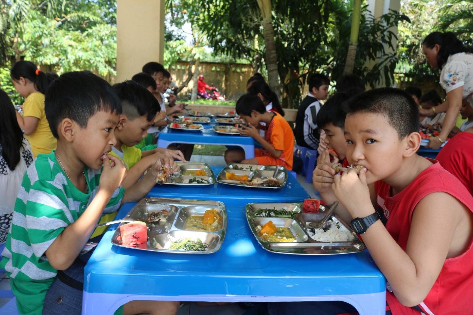 Dự án Bữa ăn dinh dưỡng