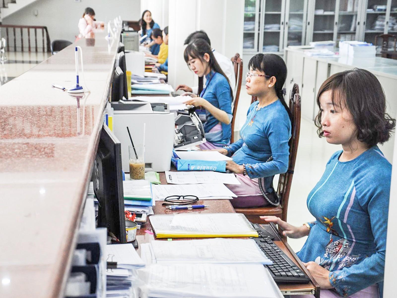Đội ngũ cán bộ, công chức, viên chức thành phố được đào tạo nâng cao trình độ, đáp ứng yêu cầu nhiệm vụ trong thời kỳ hội nhập quốc tế.