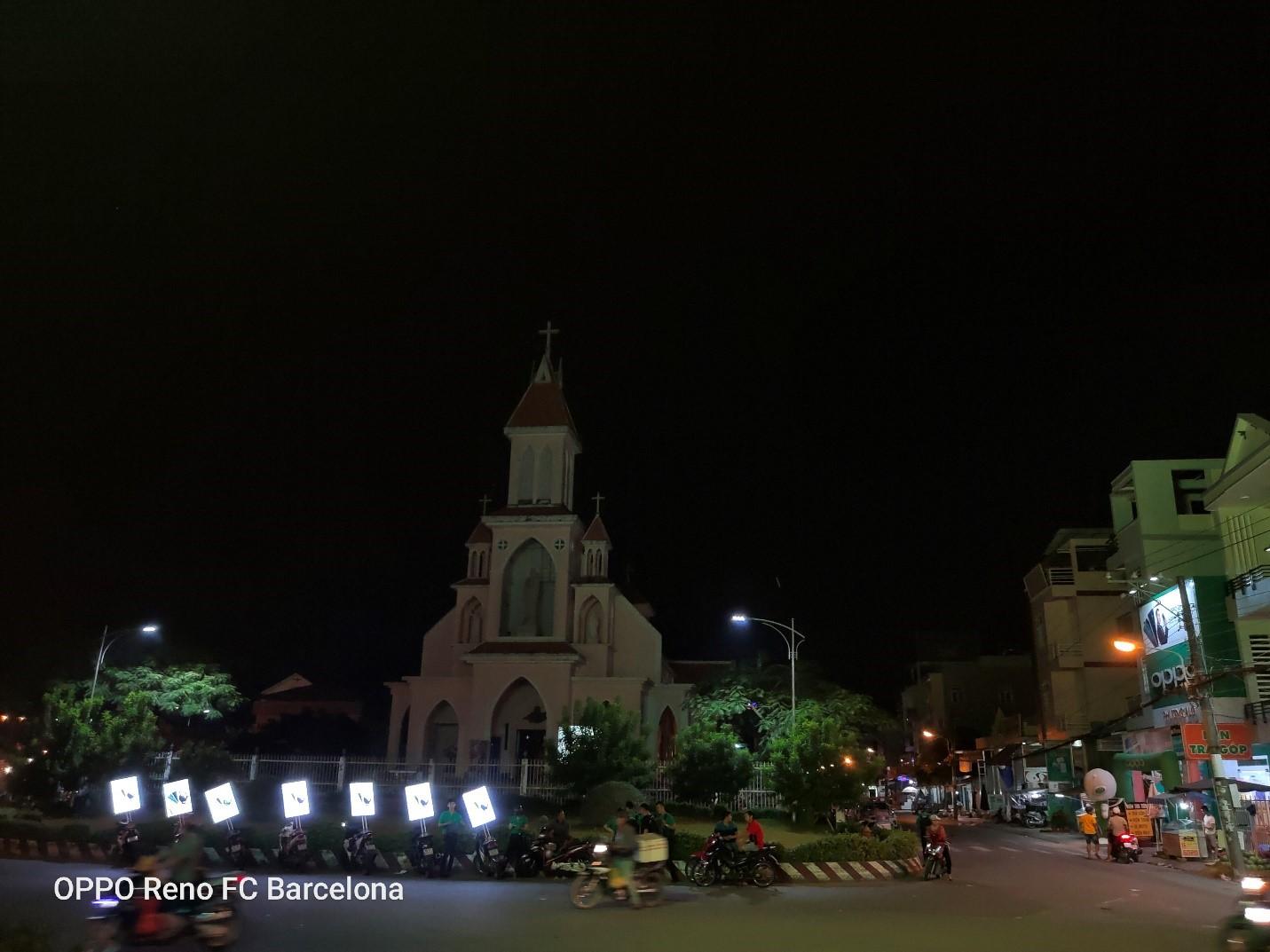 """""""Hiện tượng lạ"""" những ngày qua xuất hiện vào ban đêm tại TP Cần Thơ và Hậu Giang mang tên OPPO RENO 2 SERIES"""