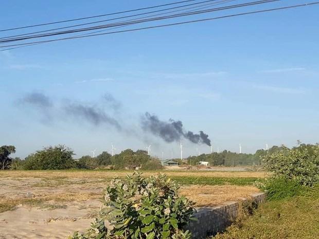 Cháy tuabin trên trụ điện gió tại Nhà máy Phong điện Bình Thạnh. (Ảnh: Nguyễn Thanh/TTXVN)