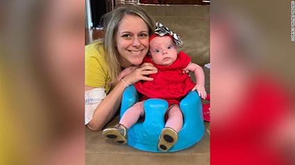 Nhờ tự theo dõi sức khỏe tại nhà, cô Williams và con gái không bị đe dọa tính mạng vì chứng tiền sản giật.