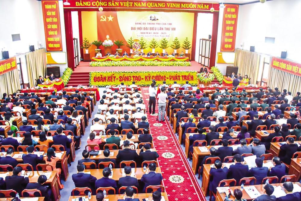 Quang cảnh phiên trù bị Đại hội đại biểu Đảng bộ TP Cần Thơ lần thứ XIV, nhiệm kỳ 2020-2025. Ảnh: KIM XUÂN