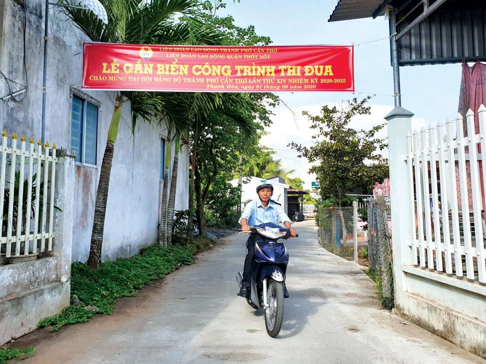 Tuyến đường Xẻo Cao (thuộc khu vực Phúc Lộc 2, phường Thạnh Hòa, quận Thốt Nốt) được mở rộng và bê tông hóa giúp việc đi lại thuận tiện.