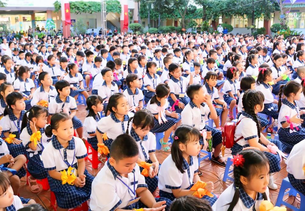 Học sinh Trường TH Võ Trường Toản trong ngày khai giảng năm học mới.