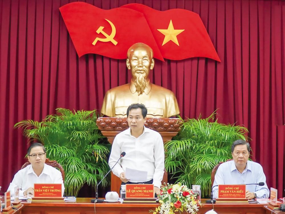 Đồng chí Lê Quang Mạnh, Bí thư Thành ủy, Chủ tịch UBND thành phố, phát biểu kết luận hội nghị. Ảnh: ANH DŨNG