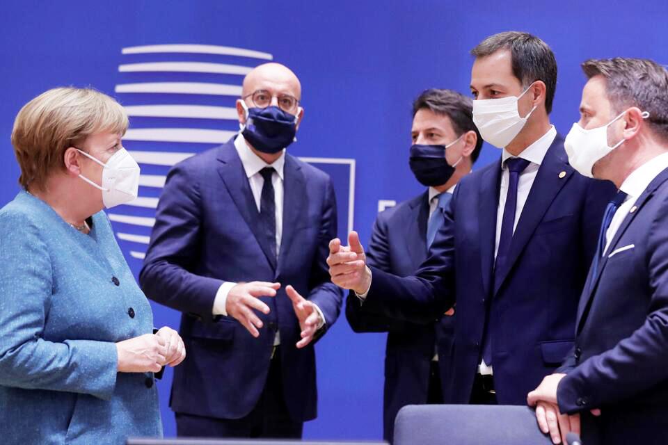 Các nhà lãnh đạo tại hội nghị thượng đỉnh EU.  Ảnh: Reuters
