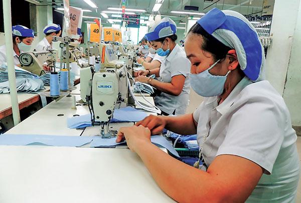 Hoạt động sản xuất của Công ty CP May Tây Đô.