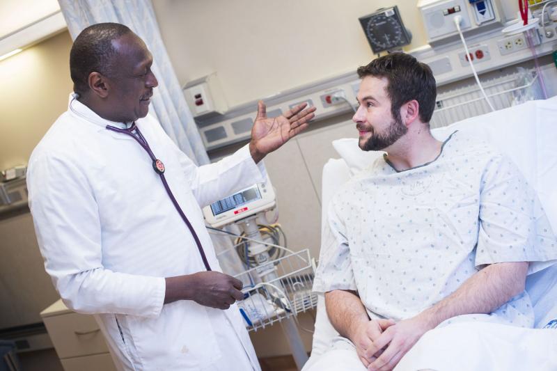 Tầm soát sớm và điều trị kịp thời ung thư vú giúp tăng tỷ lệ sống sót ở nam giới.