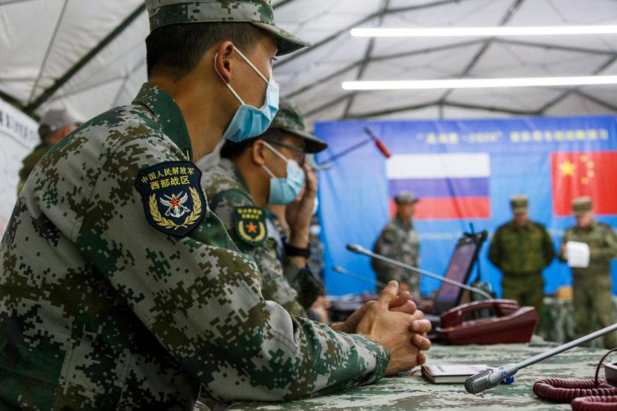 Các tướng lĩnh quân đội Nga và Trung Quốc tại cuộc tập trận Caucasus 2020. Ảnh: joint-forces