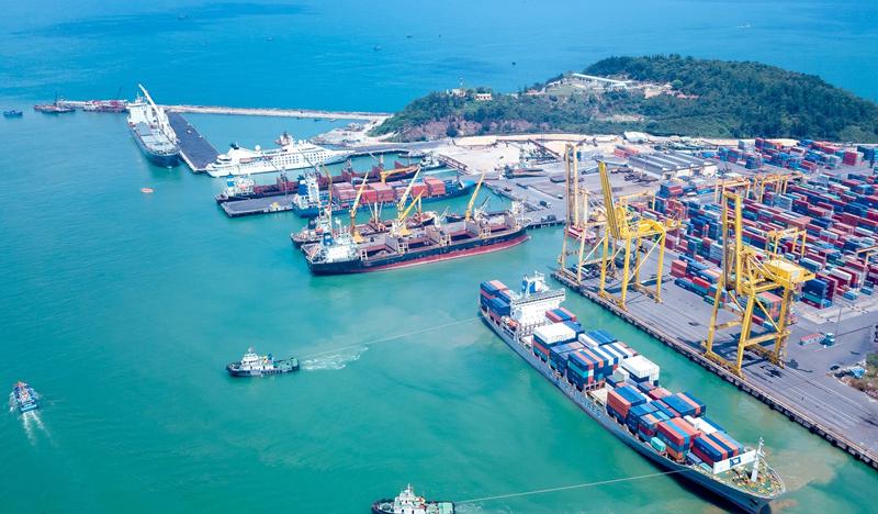 """""""Siêu cảng"""" Trần Đề không chỉ giải bài toán về logistics cho khu vực Đồng bằng sông Cửu Long mà còn là nơi kết nối du lịch tâm linh của vùng với Côn Đảo thuộc Bà Rịa – Vũng Tàu. Nguồn: Ảnh Internet."""