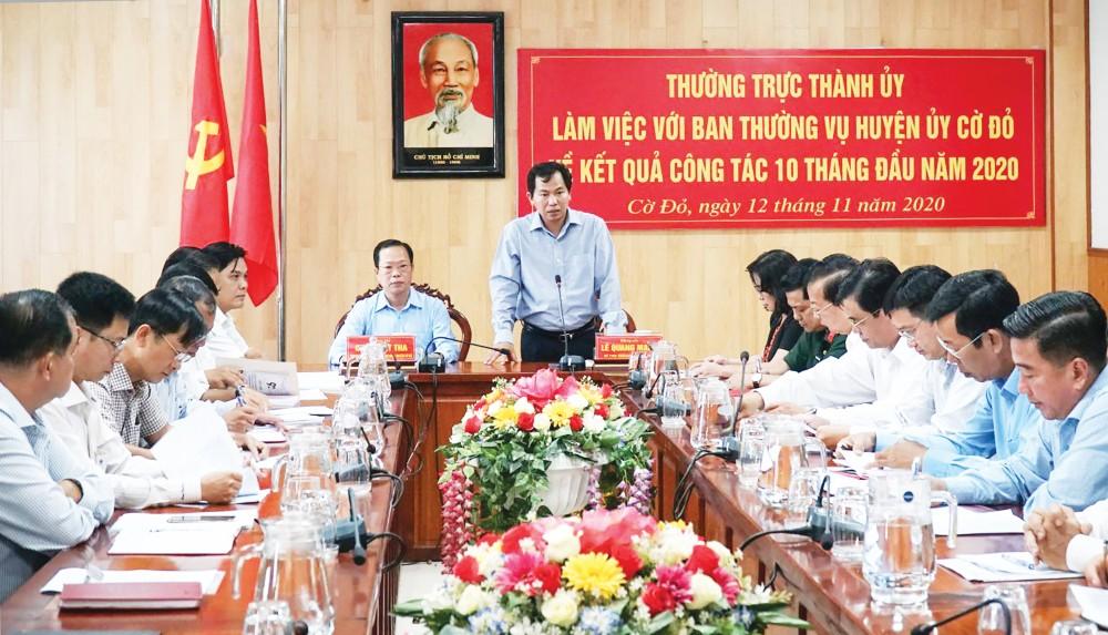 Đồng chí Lê Quang Mạnh, Bí thư Thành ủy, phát biểu kết luận buổi làm việc.