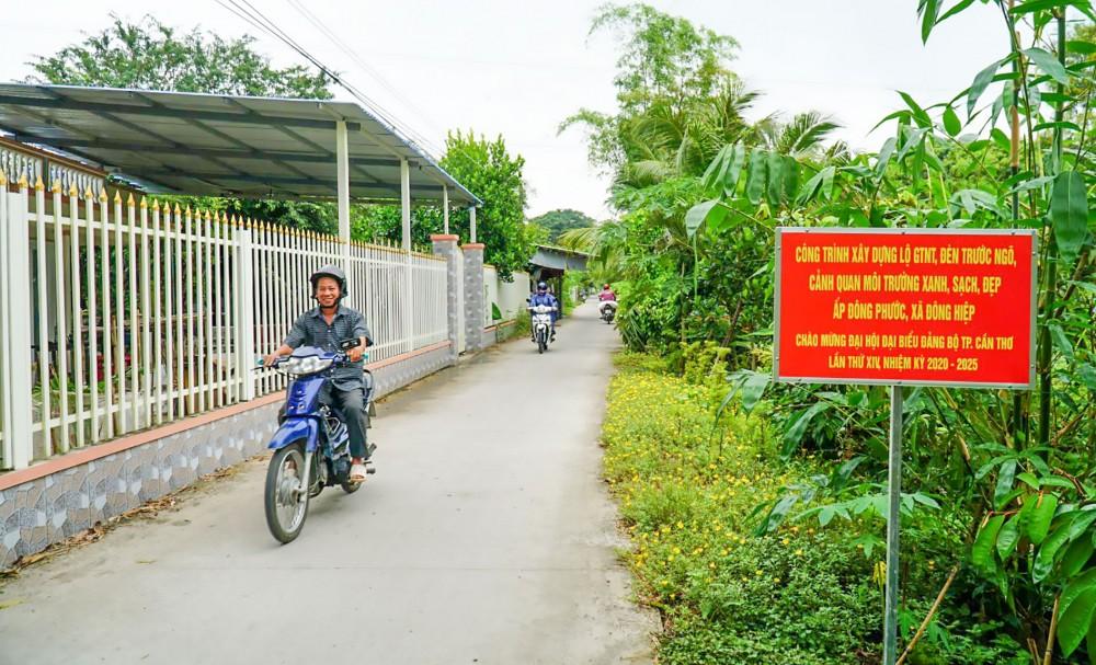 Xã Đông Hiệp nâng cấp, mở rộng tuyến đường ấp Đông Phước chào mừng đại hội đảng bộ các cấp.