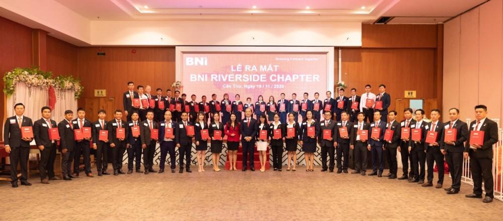 Các thành viên là doanh nhân, doanh nghiệp của TP Cần Thơ tham gia lễ ra mắt Riverside Chapter.