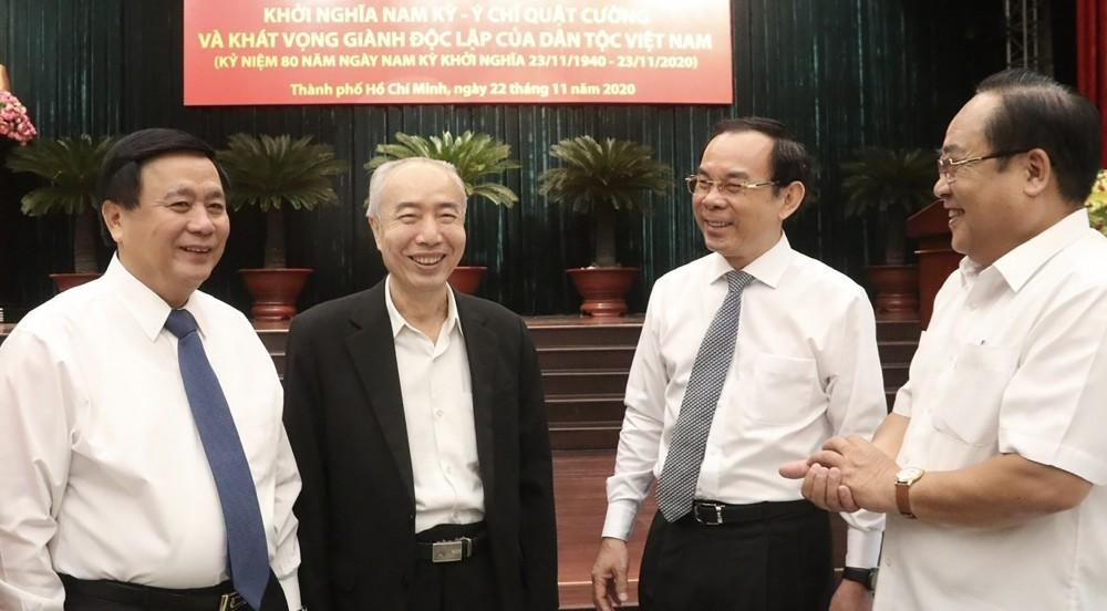 Các đại biểu trao đổi tại Hội thảo. Ảnh: ANH TUẤN - TTXVN