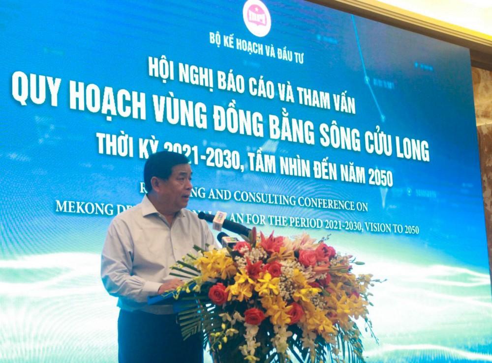 Bộ trưởng Bộ Kế hoạch và Đầu tư Nguyễn Chí Dũng phát biểu khai mạc hội nghị. Ảnh: MINH HUYỀN