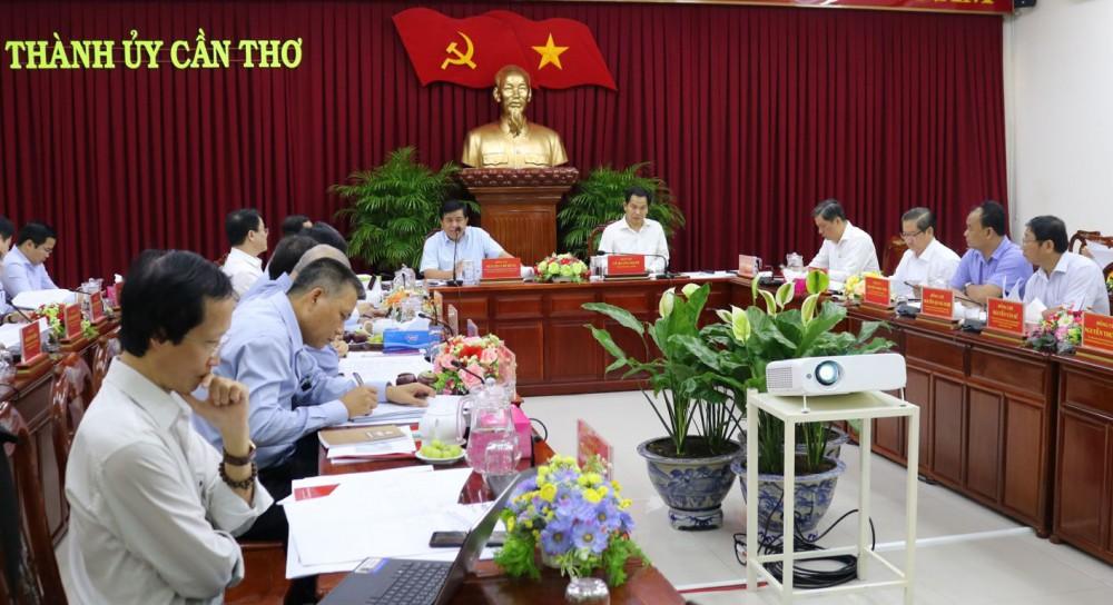 Bộ trưởng Bộ KH&ĐT Nguyễn Chí Dũng phát biểu tại buổi làm việc.