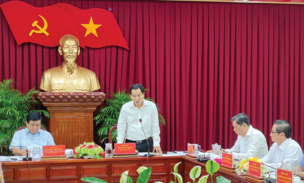 Đồng chí Lê Quang Mạnh, Bí thư Thành ủy Cần Thơ phát biểu tại buổi làm việc. Ảnh:  KHÁNH TRUNG
