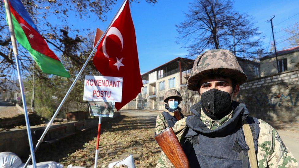 Binh sĩ Nga tại vùng lãnh thổ tranh chấp Nagorno - Karabakh. Ảnh: BBC