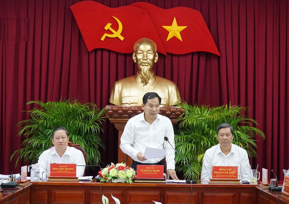 Đồng chí Lê Quang Mạnh, Bí thư Thành ủy phát biểu kết luận cuộc họp. Ảnh: ANH DŨNG
