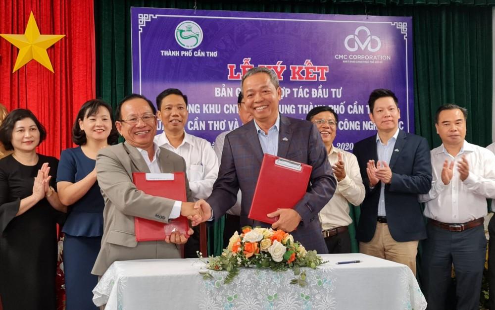 Quỹ Đầu tư phát triển TP Cần Thơ và Công ty Cổ phần Tập đoàn Công nghệ CMC ký kết hợp tác đầu tư.