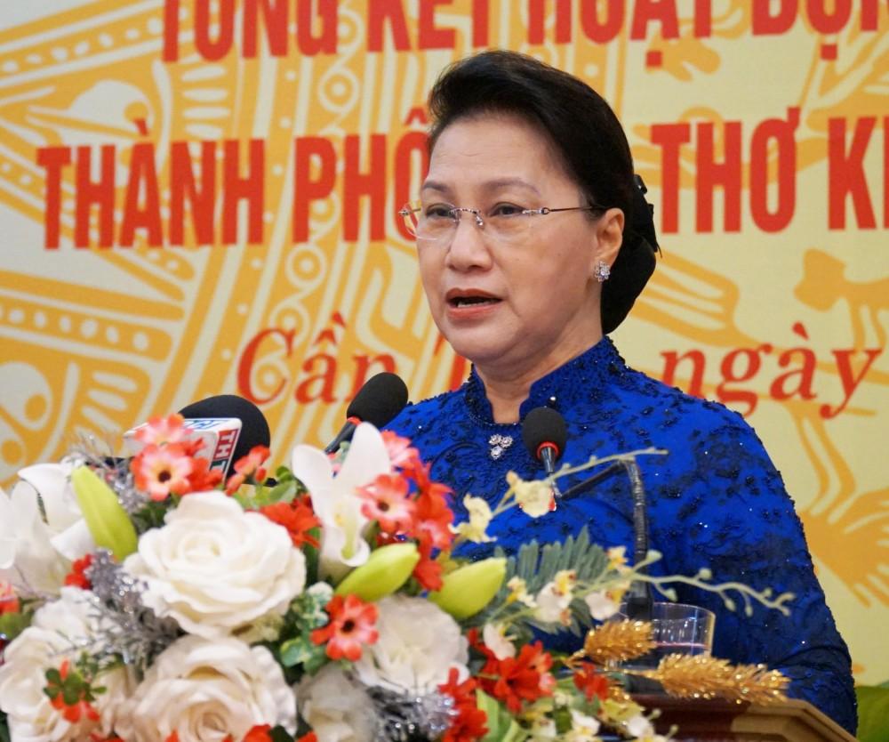 Chủ tịch Quốc hội Nguyễn Thi Kim Ngân phát biểu tại buổi họp mặt. Ảnh: ANH DŨNG