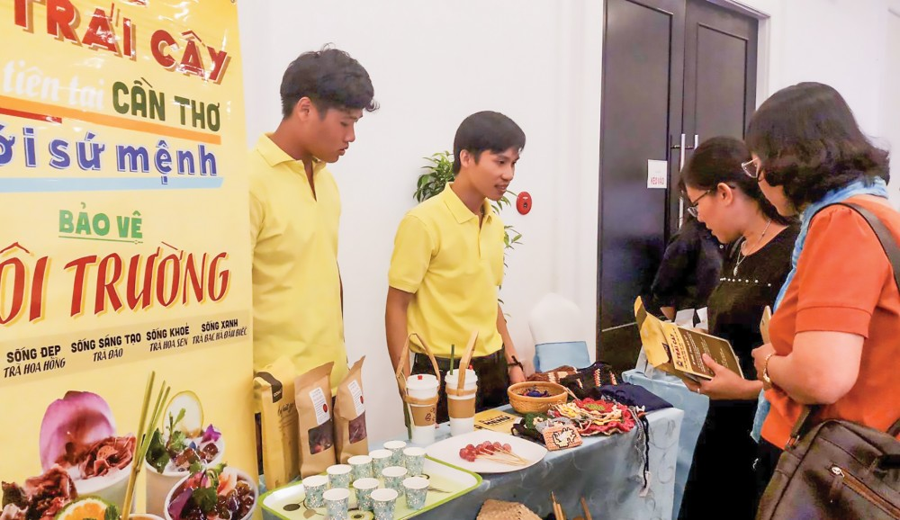 Startup quảng bá, giới thiệu sản phẩm tại một sự kiện do thành phố tổ chức.