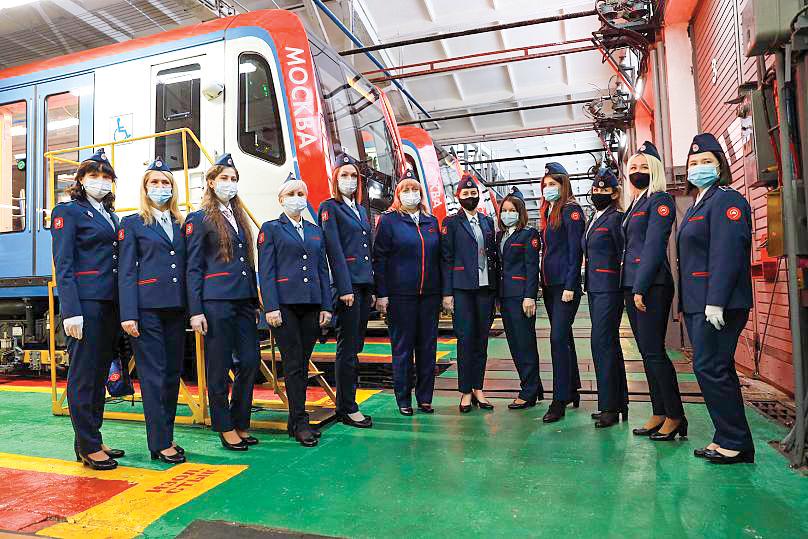 Các nữ tài xế của Moscow Metro. Ảnh: Euronews