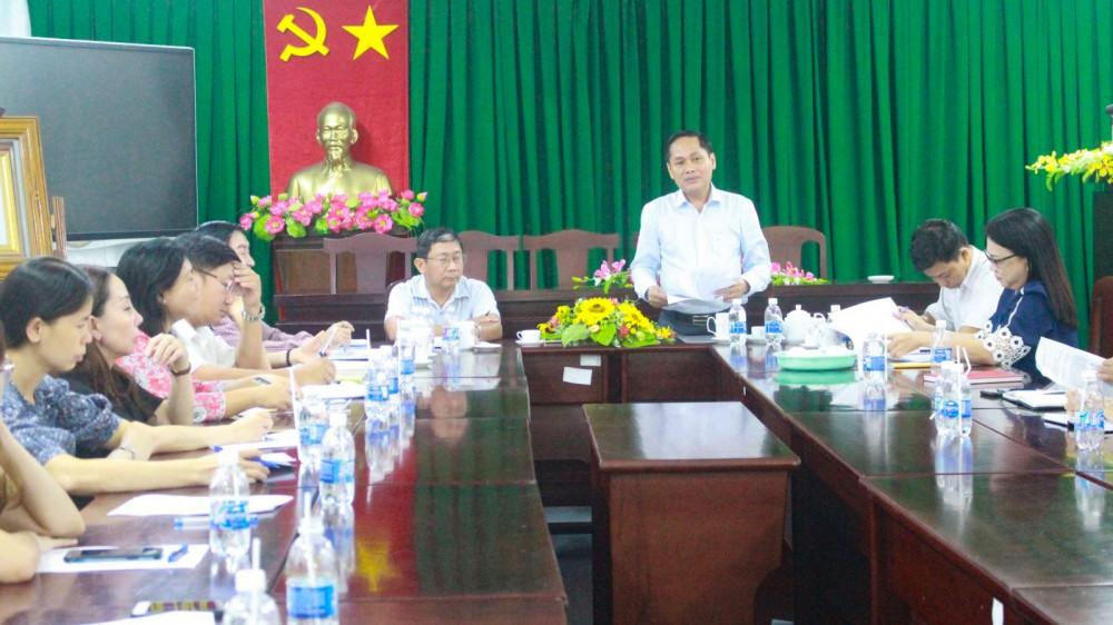 Phó Chủ tịch UBND TP Cần Thơ Nguyễn Văn Hồng phát biểu tại buổi làm việc.