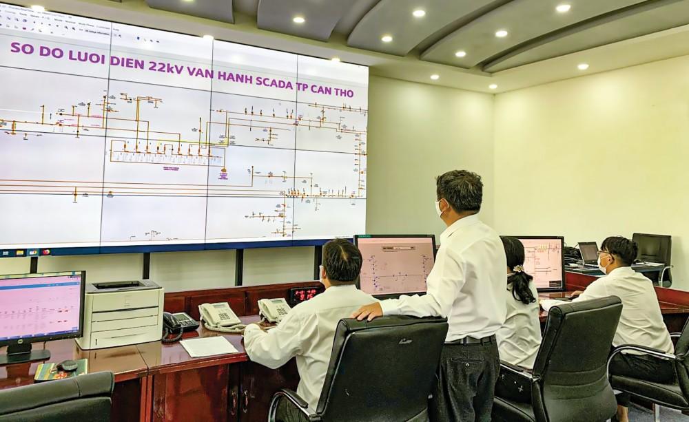 Hoạt động tại Phòng điều độ, PC Cần Thơ.