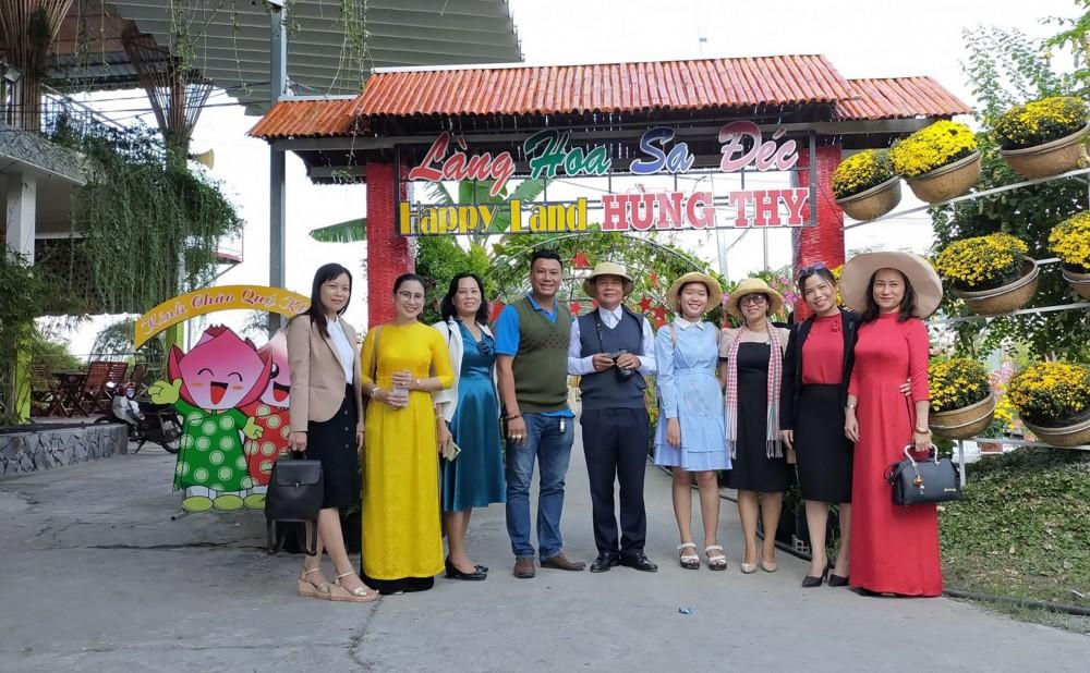 Khu vui chơi giải trí Happy Land Hùng Thy.