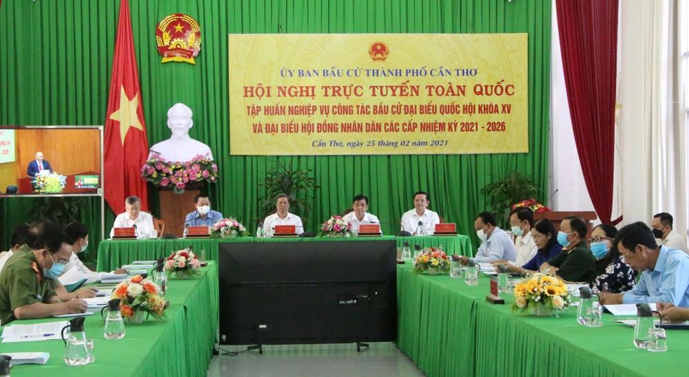 Các đại biểu dự tại điểm cầu TP Cần Thơ.
