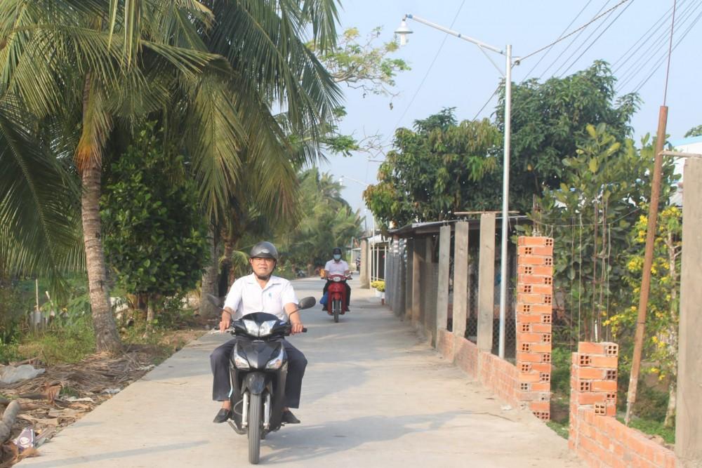 Tuyến đường Mật Cật, thuộc khu vực Phú Khánh khang trang, rộng rãi tạo điều kiện người dân đi lại thuận tiện, an toàn.