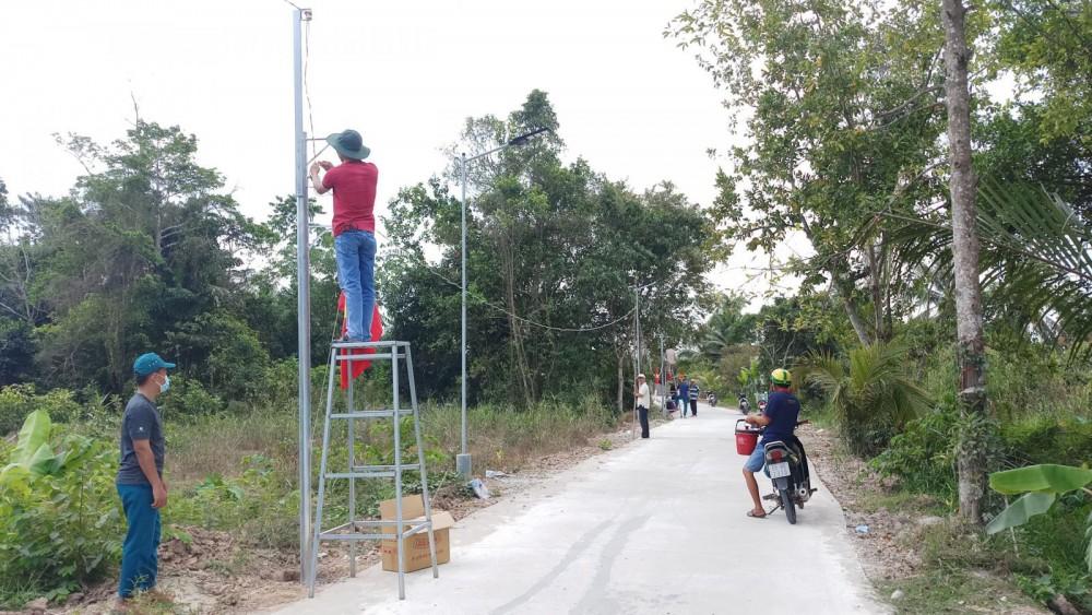 """Mô hình """"Ánh sáng ANTT"""" thực hiện ở 2 khu vực Thới Long và Thới Hòa (phường Thới An Đông) hoàn thành, đưa vào sử dụng."""