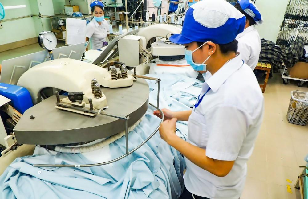 Hoạt động sản xuất tại Công ty CP May Tây Đô.