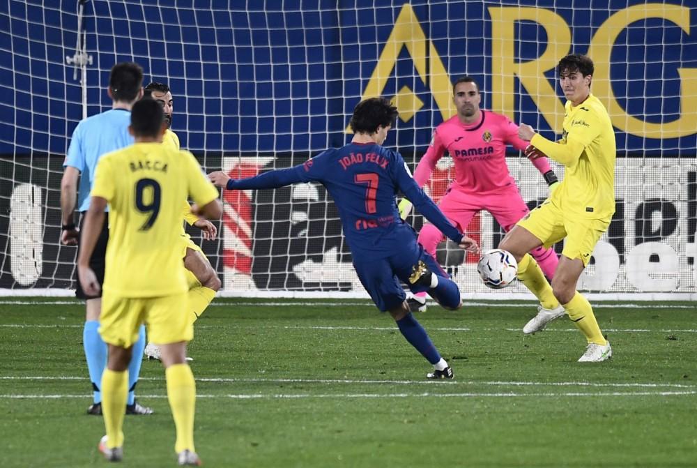 """Felix (số 7) của Atletico Madrid bắn hạ """"Tàu ngầm vàng"""" Villarreal. Ảnh: Marca"""