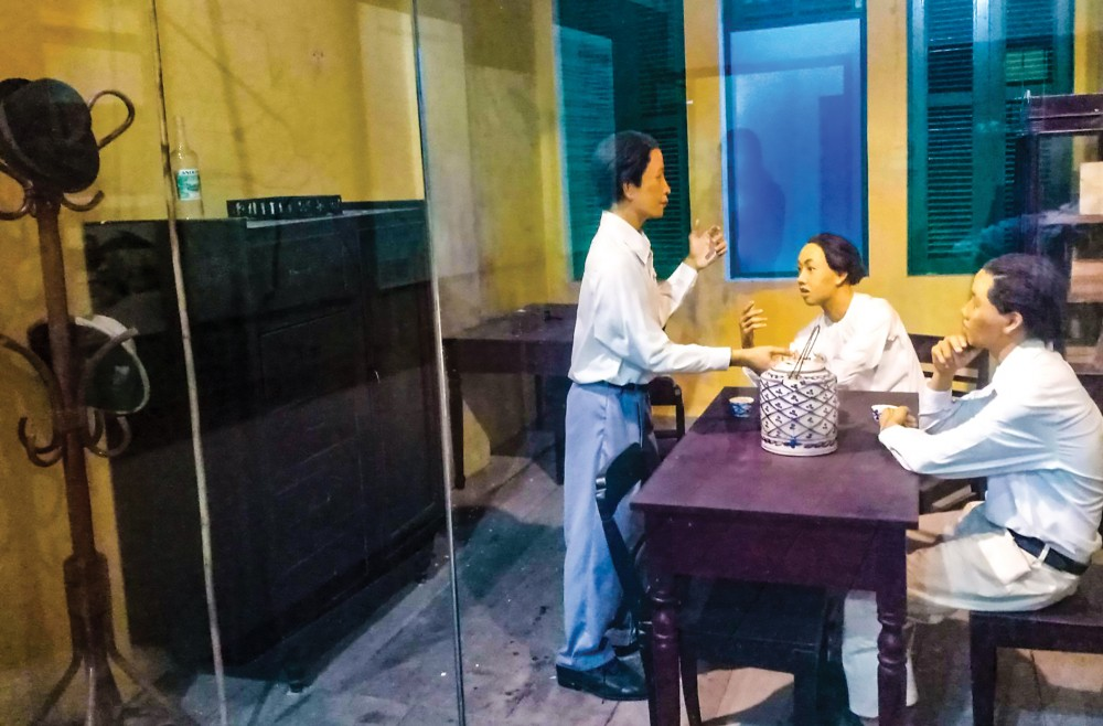 Phục dựng cảnh sinh hoạt của Chi hội Việt Nam Thanh niên cách mạng đồng chí hội thị trấn Cà Mau.